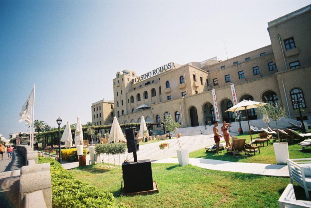 Η πρόσοψη του Casino Rodos